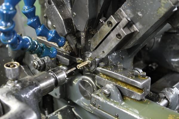 Décolletage de pièce métallique, entretoise, rondelle, bague épaulée métal