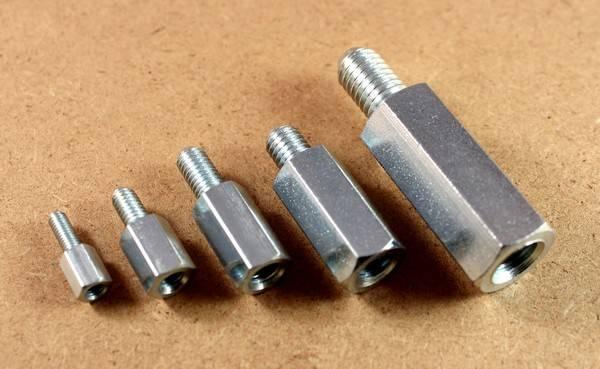 Fabricant d'entretoise en métal